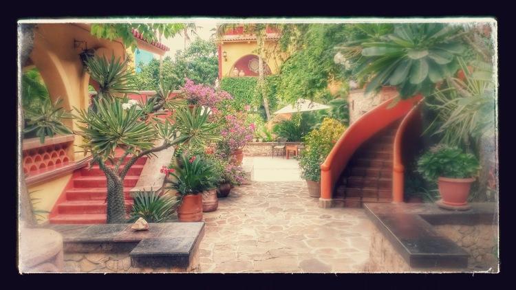 Casa_Bella_Patio_Entry